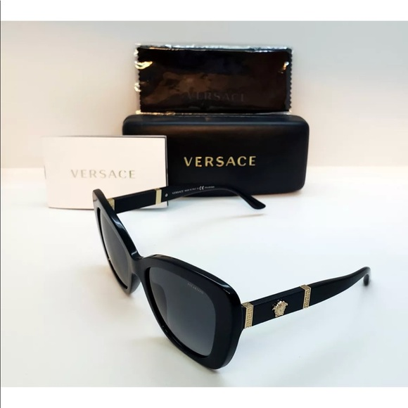 b6f2180a8173 Like new AUTHENTIC Versace sunglasses.